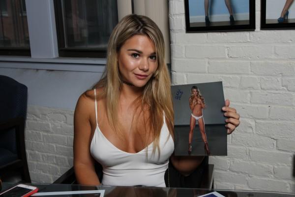 Kalyn Declue Nude Photos 15